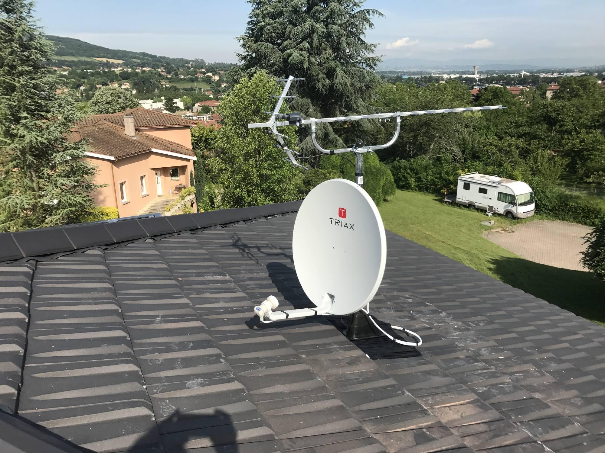 Pose d'une antenne parabole à Neuville sur Saône 69250 - Antennes Caladoises