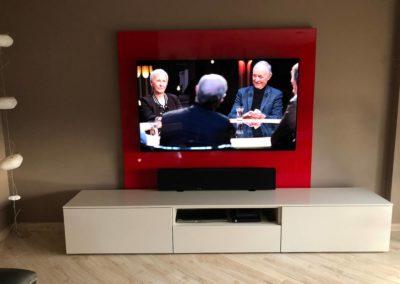 Fourniture d'une télévision OLED grand format et d'une barre projecteur de son à Reyrieux 01600