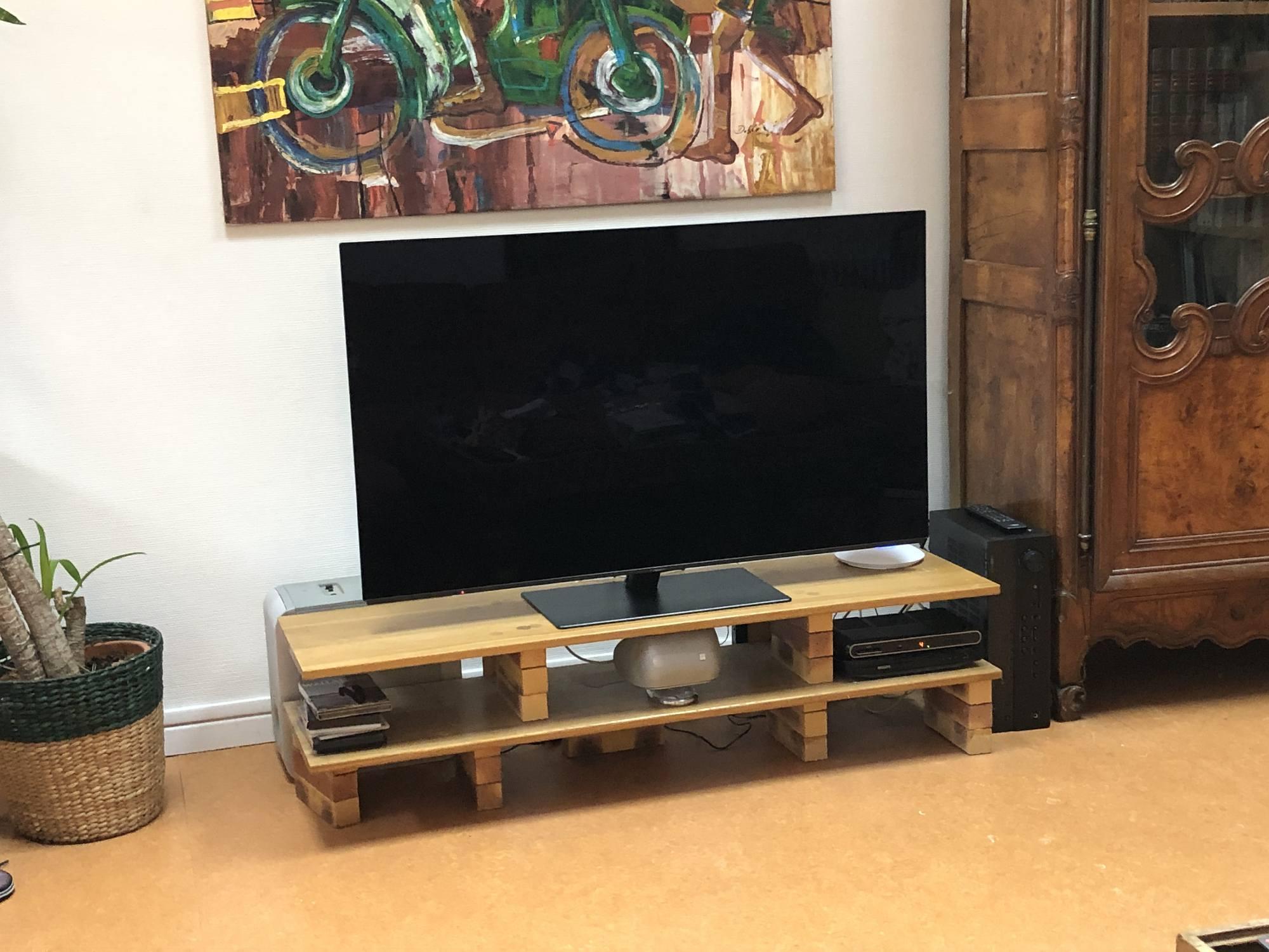 TV Oled dans un appartement de Lyon Croix Rousse